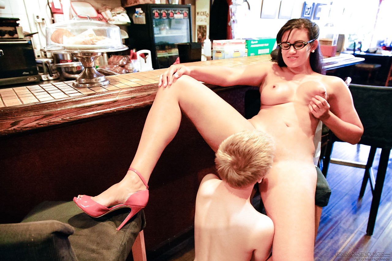 Lesbian porn. Gallery - 497. Photo - 12