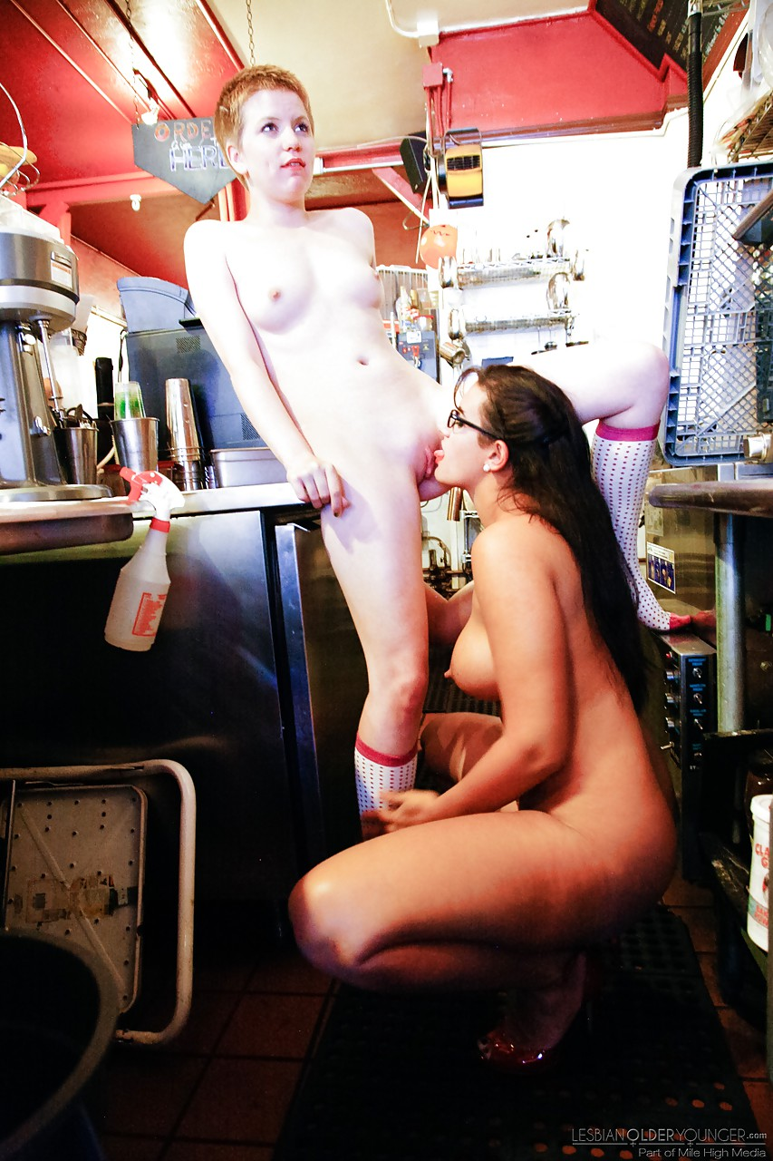 Lesbian porn. Gallery - 497. Photo - 7