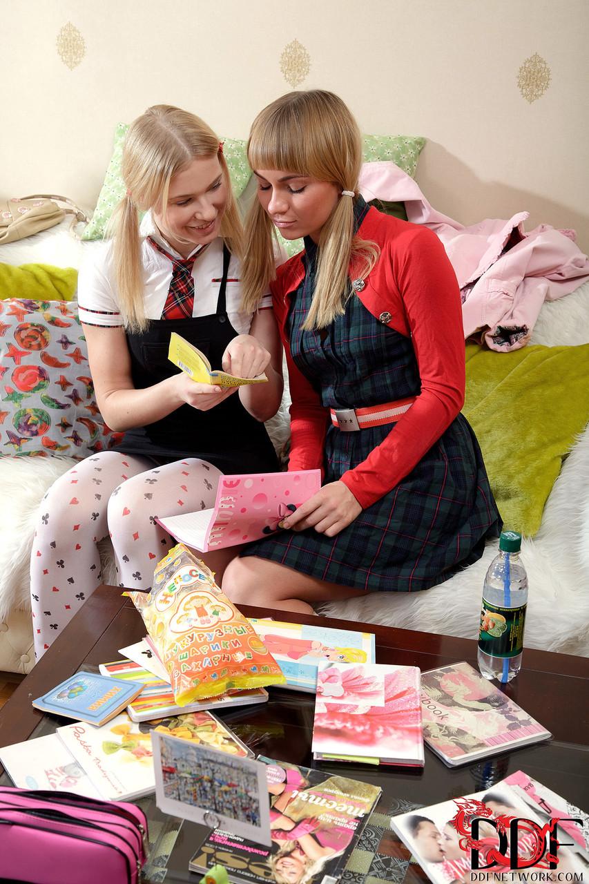 Lesbian porn. Gallery - 555. Photo - 2