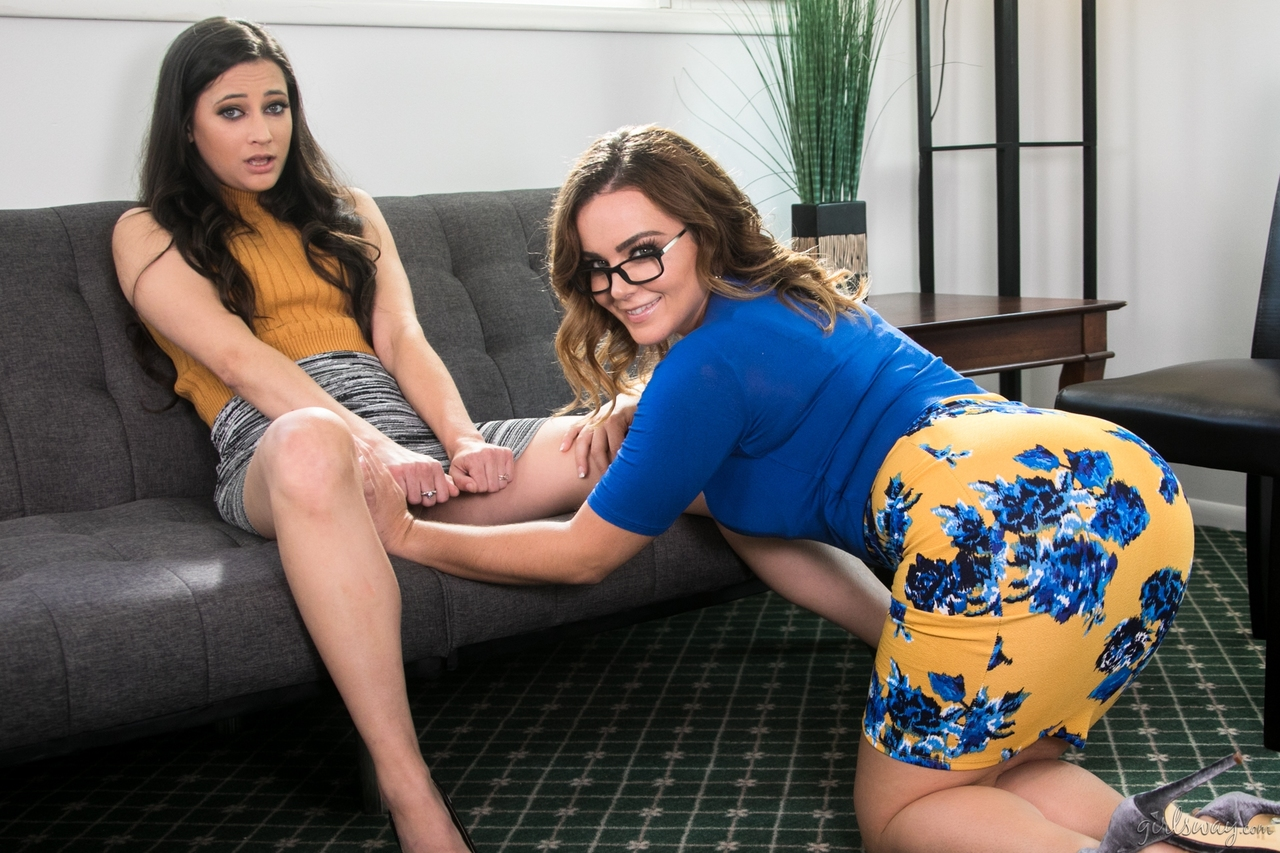 Lesbian porn. Gallery - 563. Photo - 2