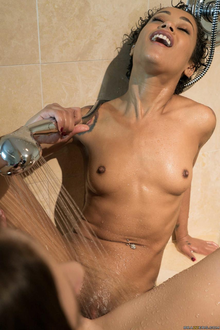 Lesbian porn. Gallery - 636. Photo - 15