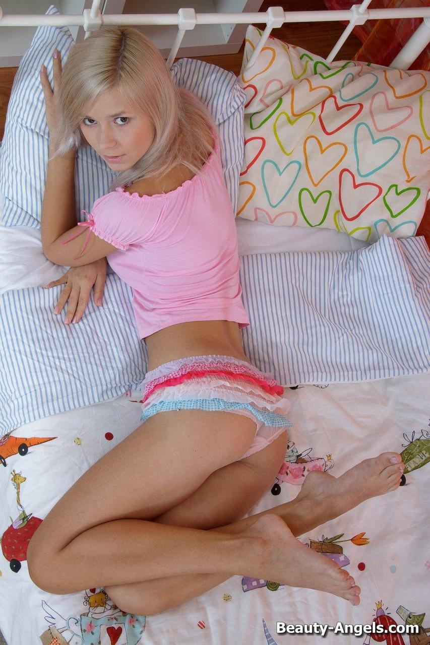 Young porn (18+). Gallery - 1011. Photo - 5