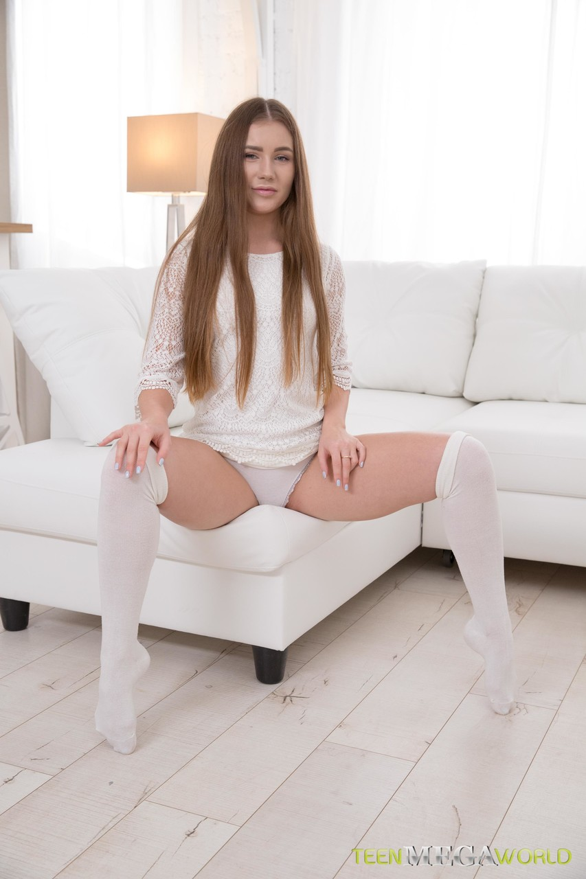 Young porn (18+). Gallery - 1035. Photo - 2