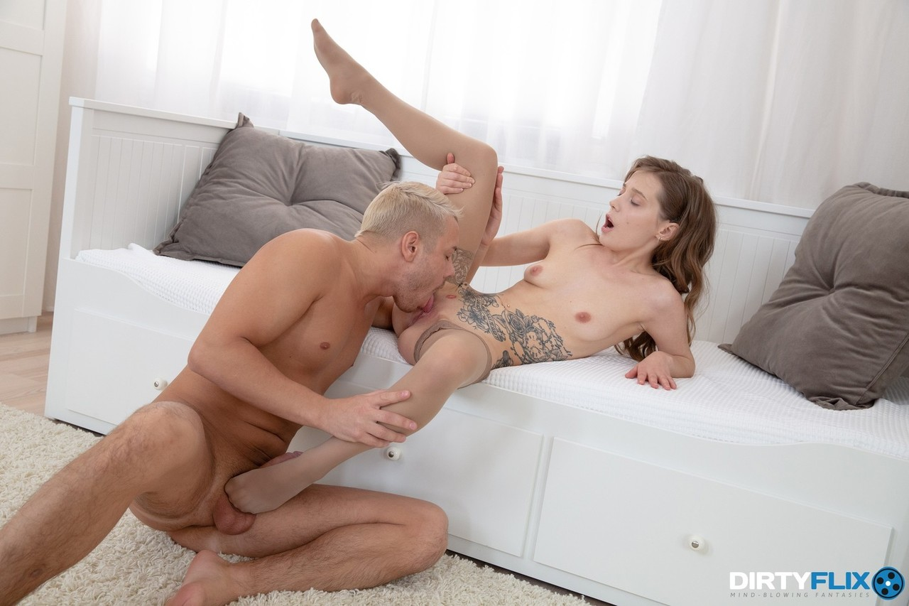 Young porn (18+). Gallery - 1145. Photo - 7