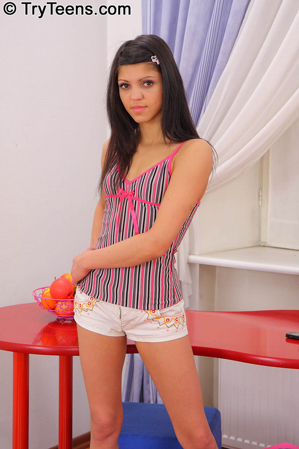 Young porn (18+). Gallery - 229. Photo - 2
