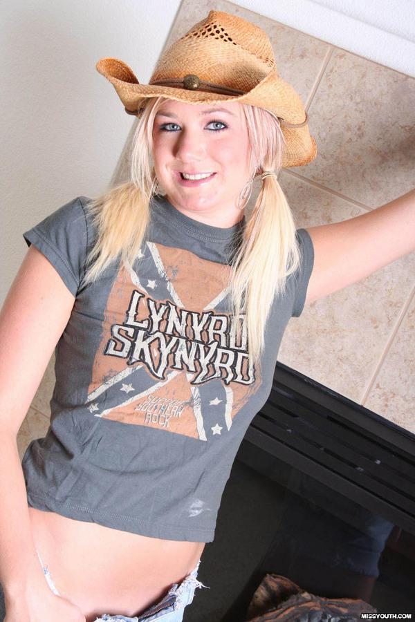 Соска в ковбойской шляпе. Фото - 2