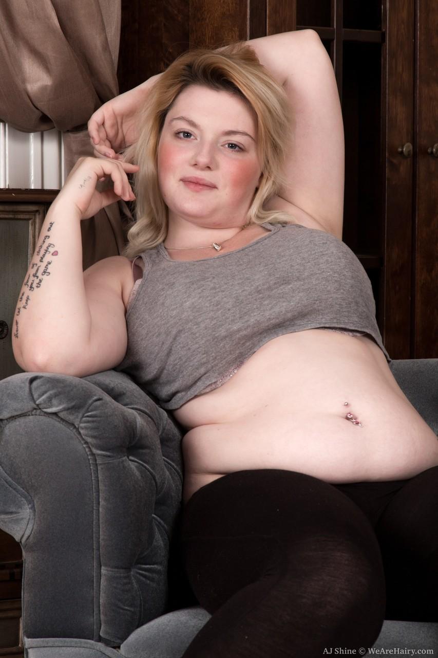 Молодая толстеющая чикса соло. Фото - 3