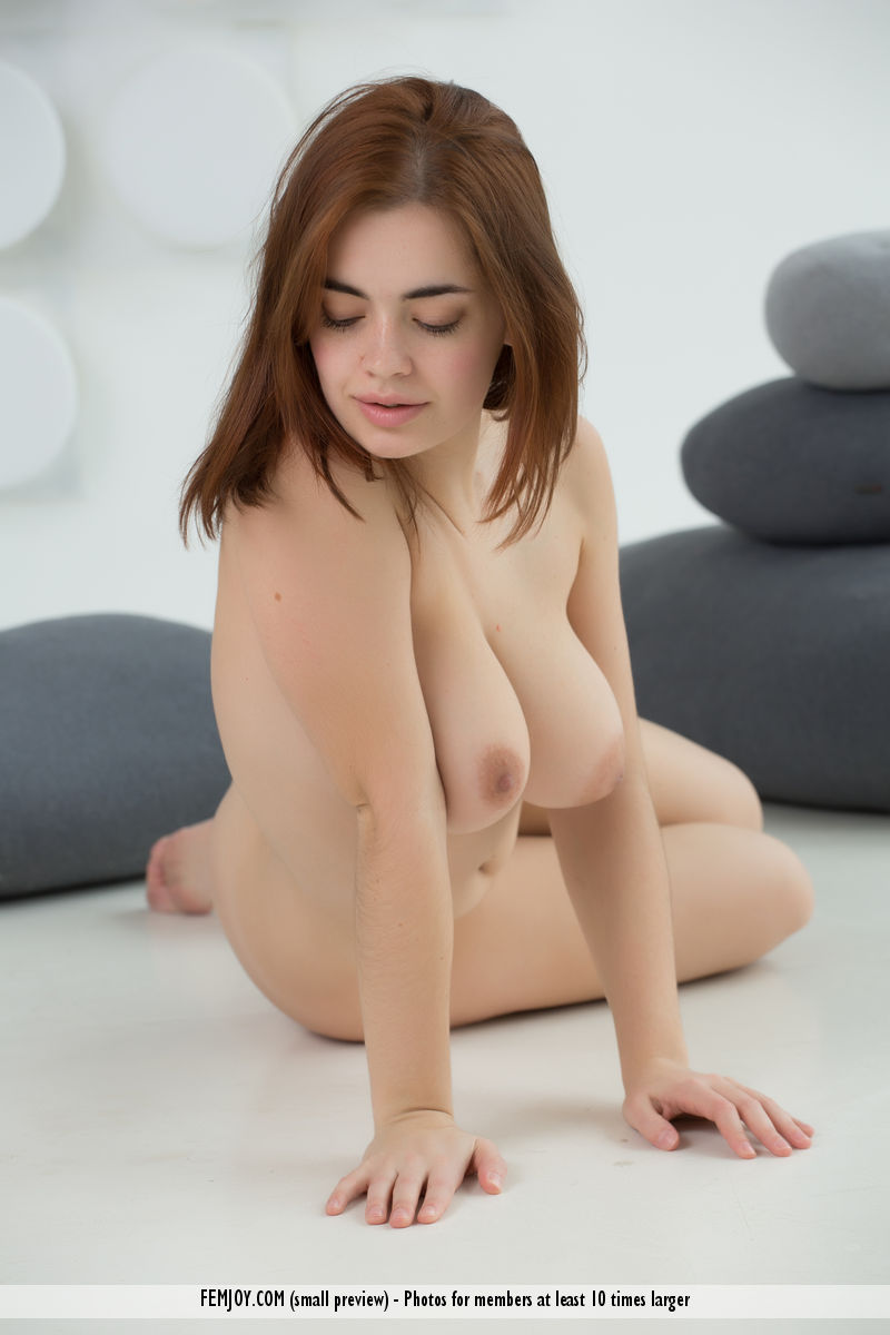 Young porn (18+). Gallery - 473. Photo - 12