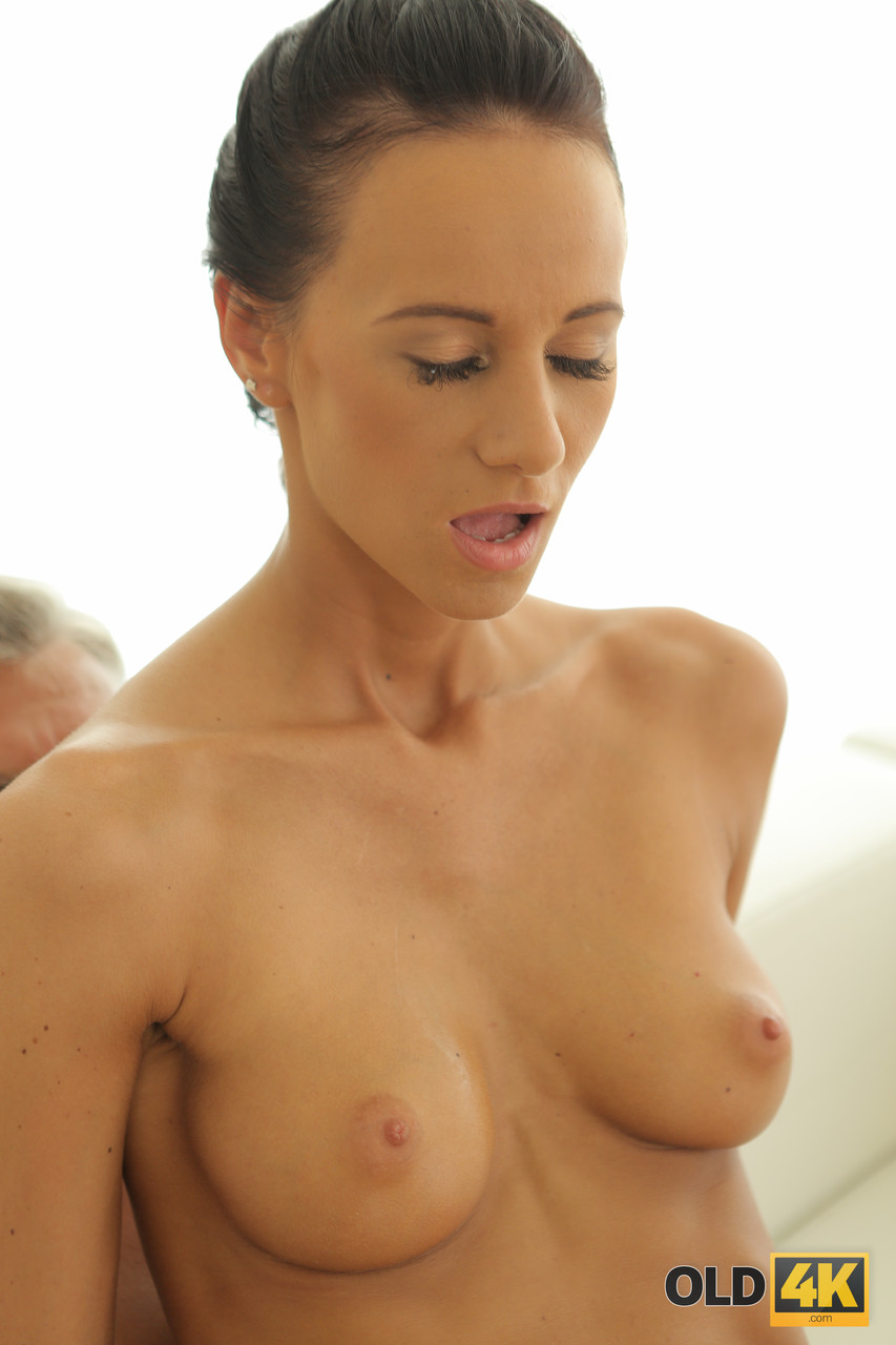 Young porn (18+). Gallery - 561. Photo - 18