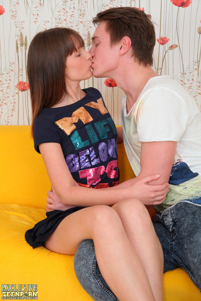 Young porn (18+). Gallery - 565. Photo - 3