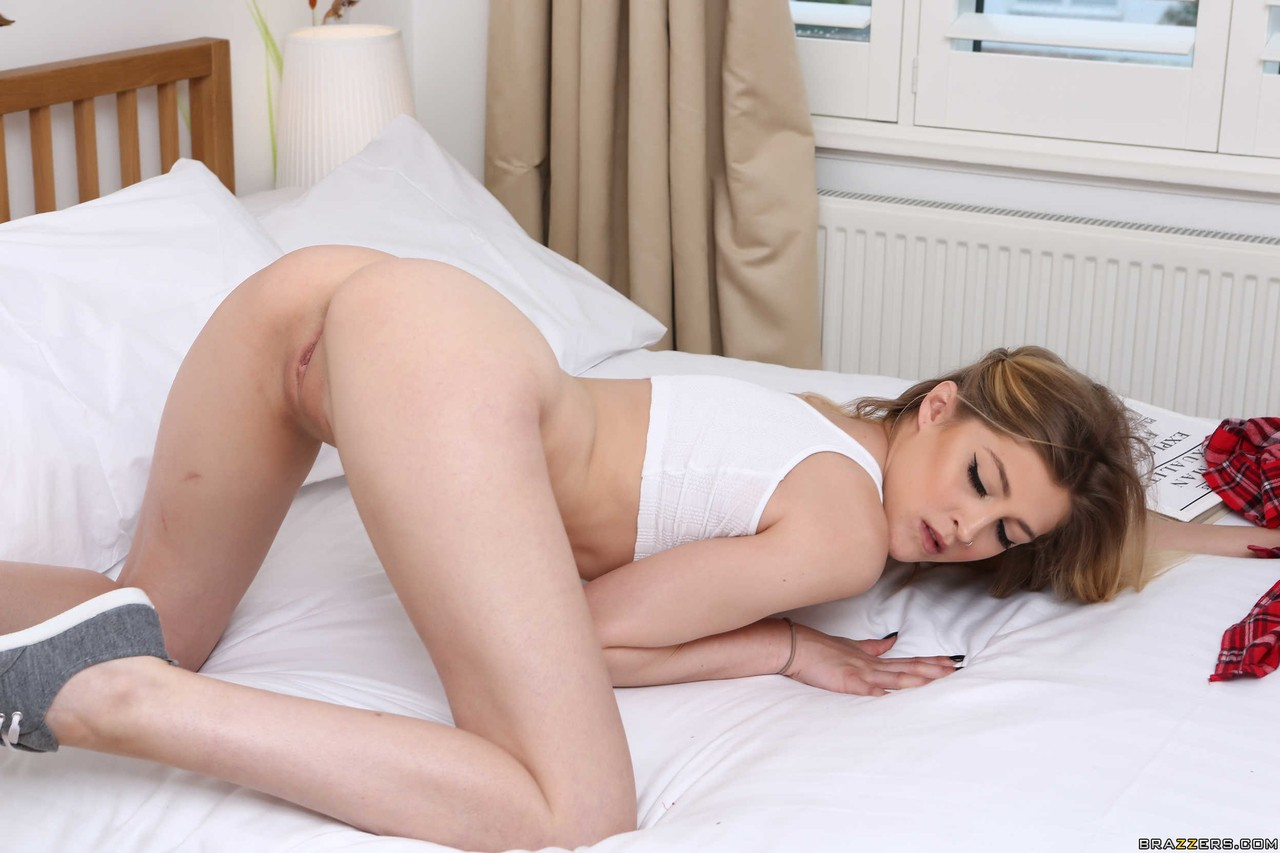Young porn (18+). Gallery - 567. Photo - 14