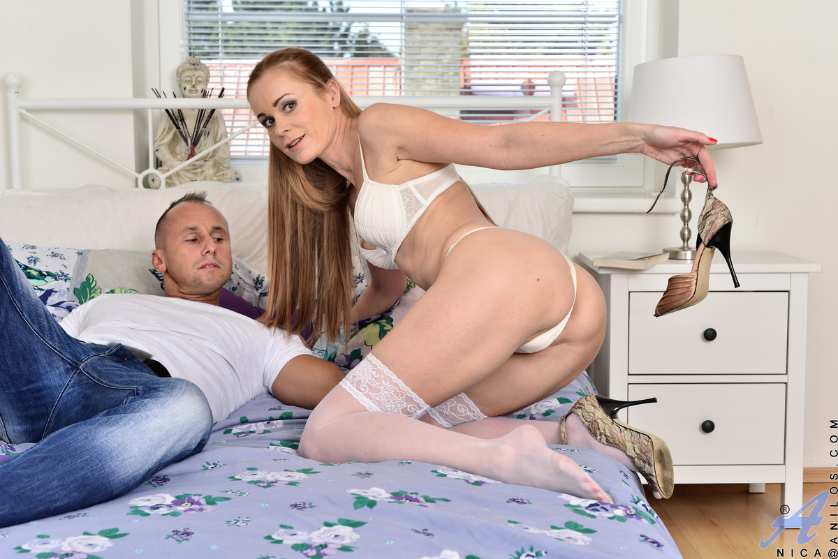 Young porn (18+). Gallery - 598. Photo - 3