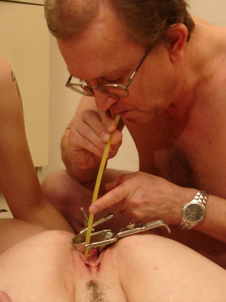 Pissing. Gallery - 243. Photo - 10