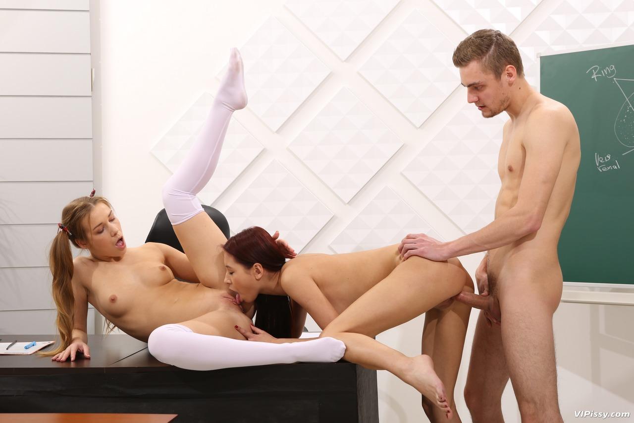 Трио зассанцев в колледже. Фото - 6