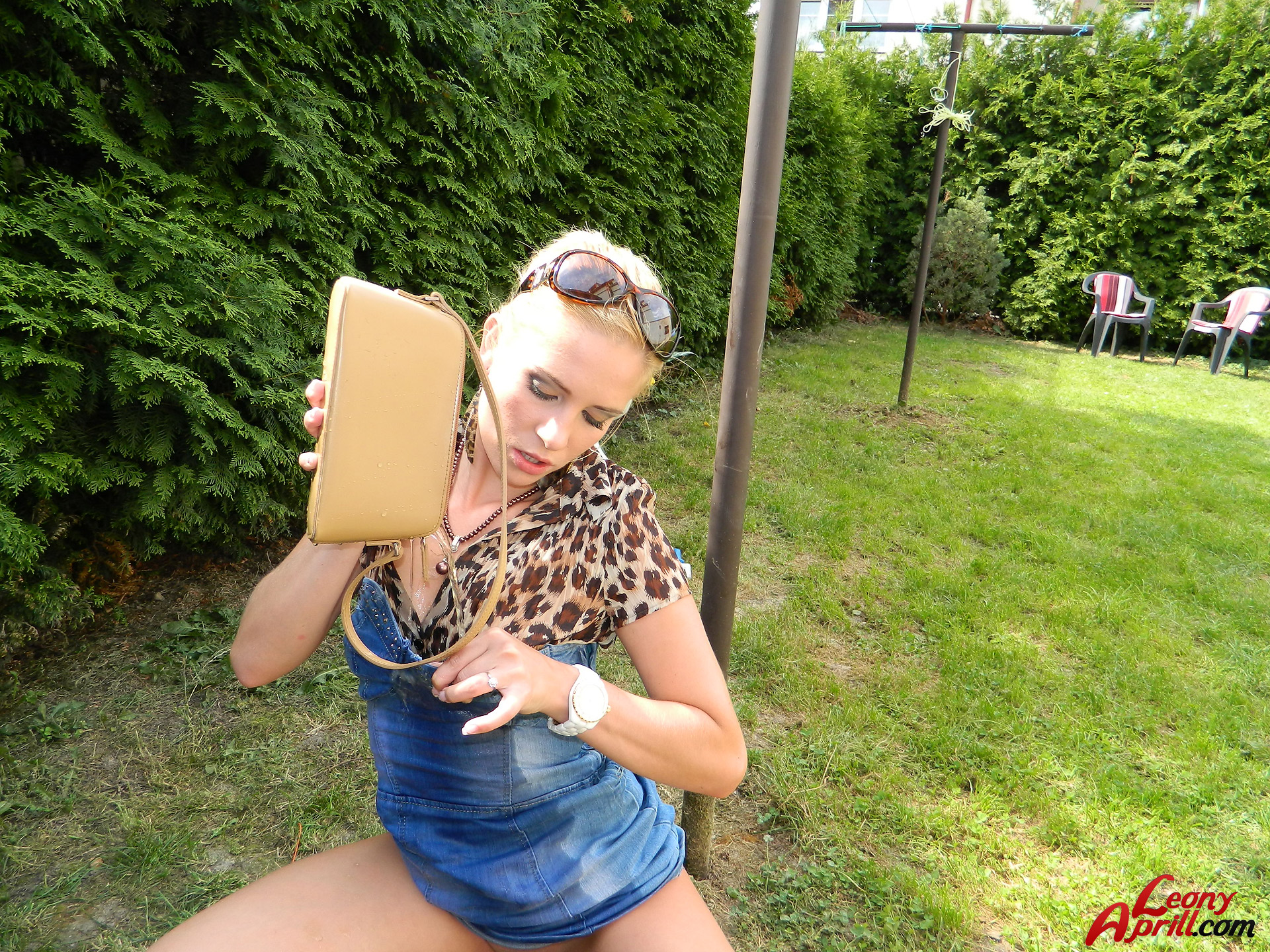 Pissing. Gallery - 898. Photo - 14