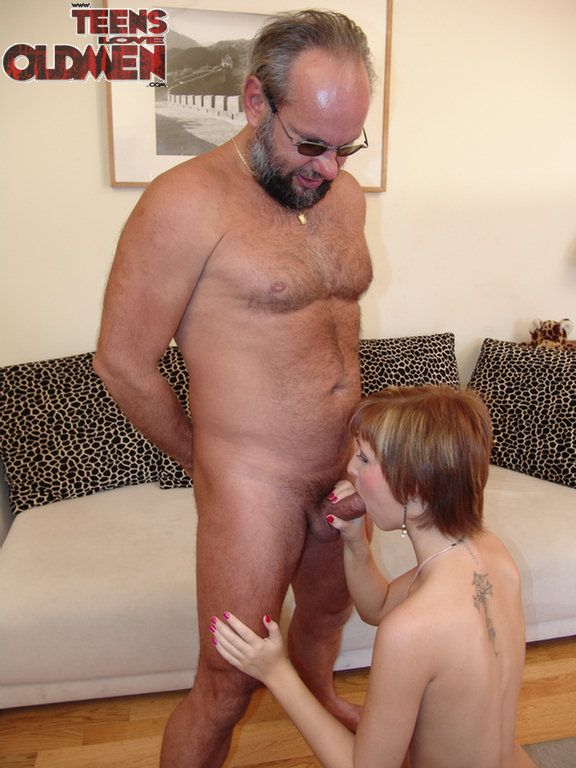 Pissing. Gallery - 993. Photo - 7