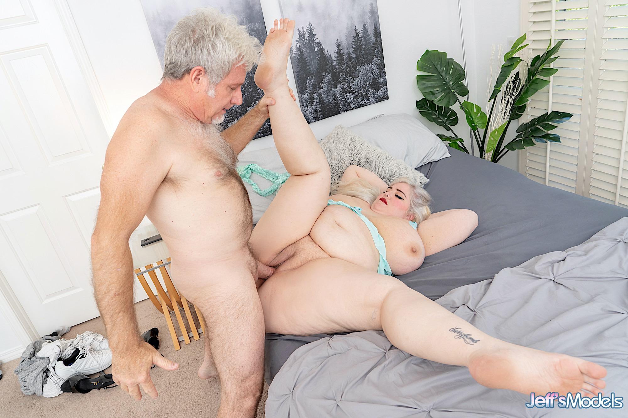 Dicke Frauen. Galerie - 2044. Foto - 7