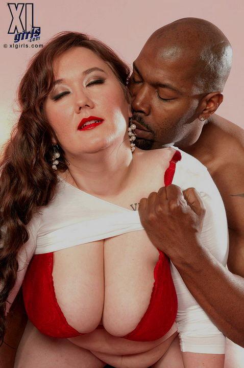 Матура с избыточным весом переспала на фотках с черным мужиком. Фото - 2