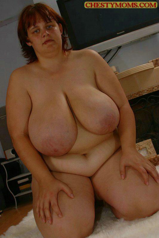 Подборка картинок про голую бабу с дойками большого калибра. Фото - 11