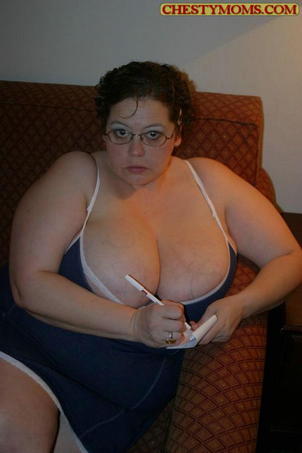 Зрелая тучная телка хочет чтобы ее трахнули. Фото - 1