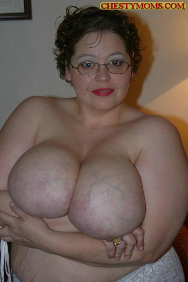 Зрелая тучная телка хочет чтобы ее трахнули. Фото - 13