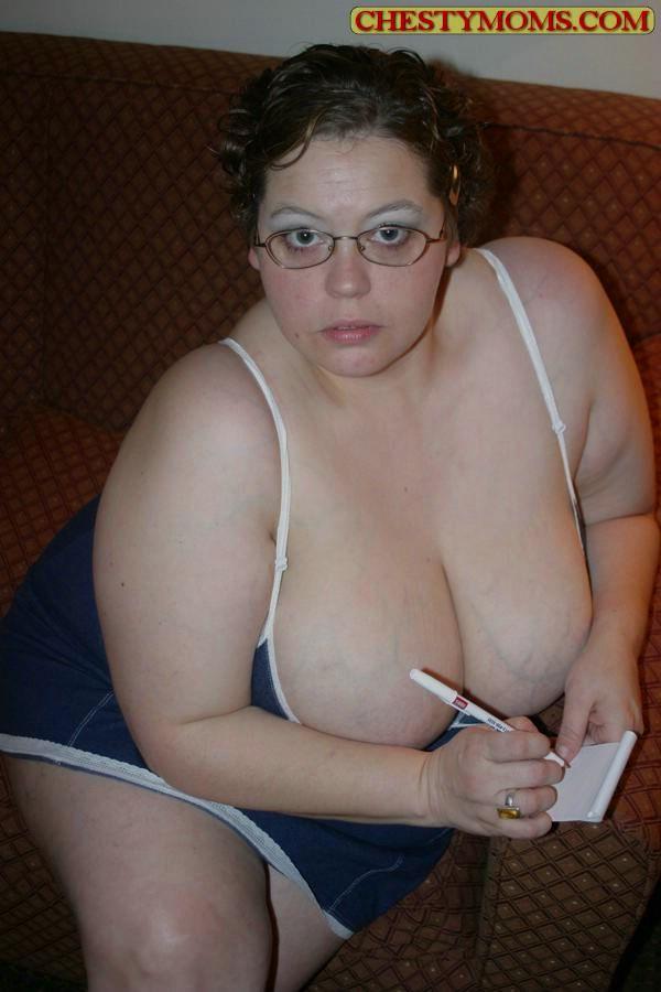 Зрелая тучная телка хочет чтобы ее трахнули. Фото - 2