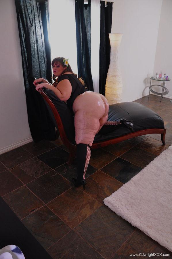 Пышка с огромной жирной жопой в интиме с негром. Фото - 6