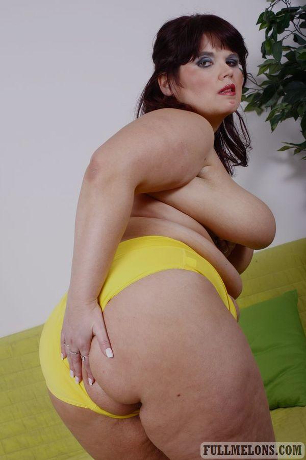 Фото старперки с жировыми складками на момоне. Фото - 5