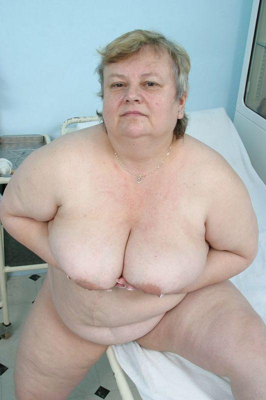 Тучная бабуля пришла на прием к доктору. Фото - 7