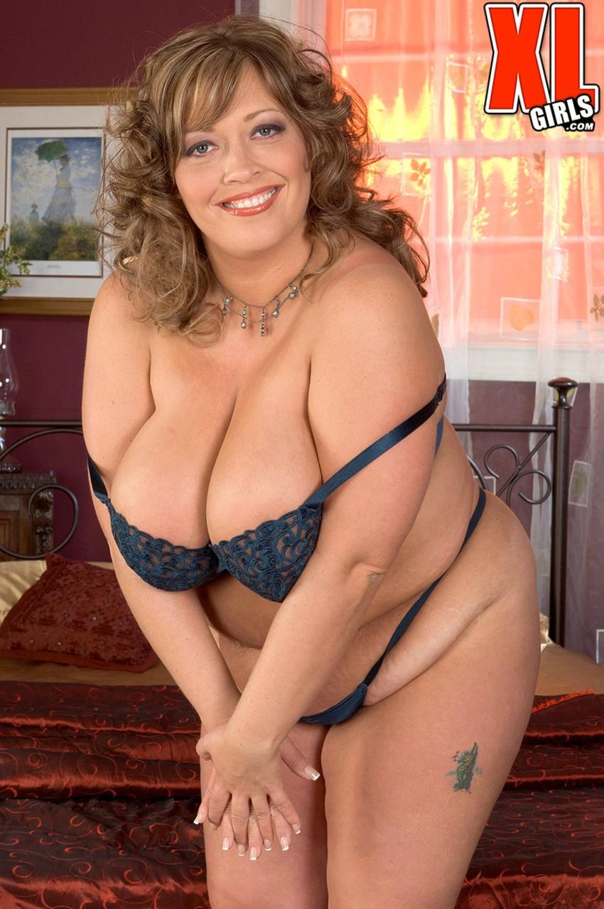 Соло очаровательной зрелой леди с толстым пузом. Фото - 7