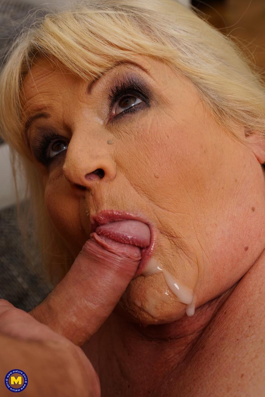 Внук занимается сексом с жирной бабкой. Фото - 18