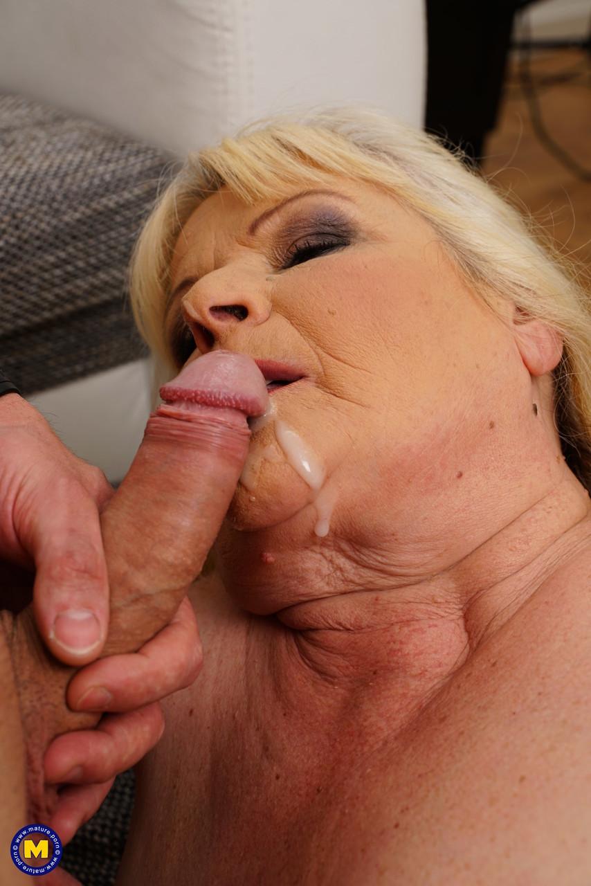 Внук занимается сексом с жирной бабкой. Фото - 19