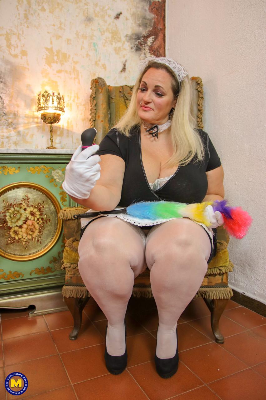 Горничная с жирным телом. Фото - 6
