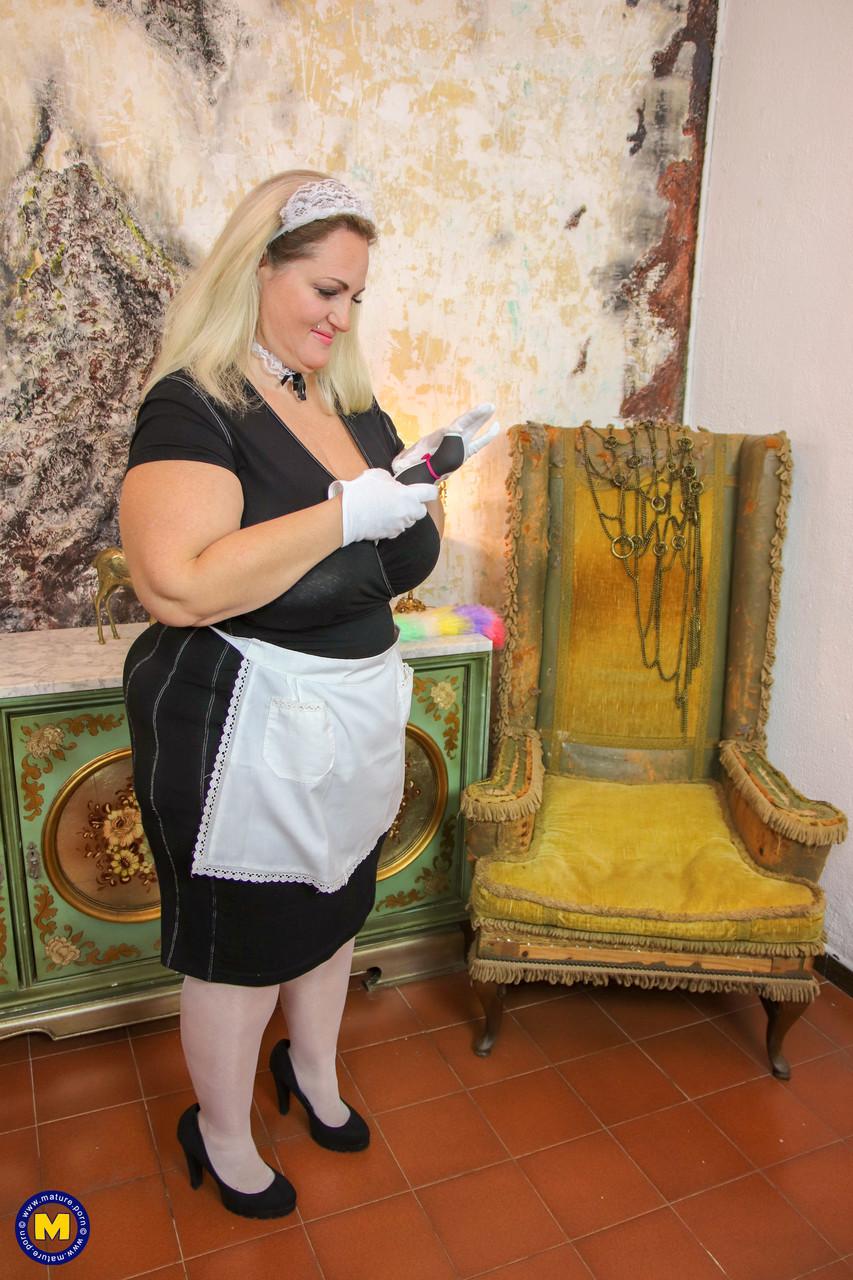 Горничная с жирным телом. Фото - 9