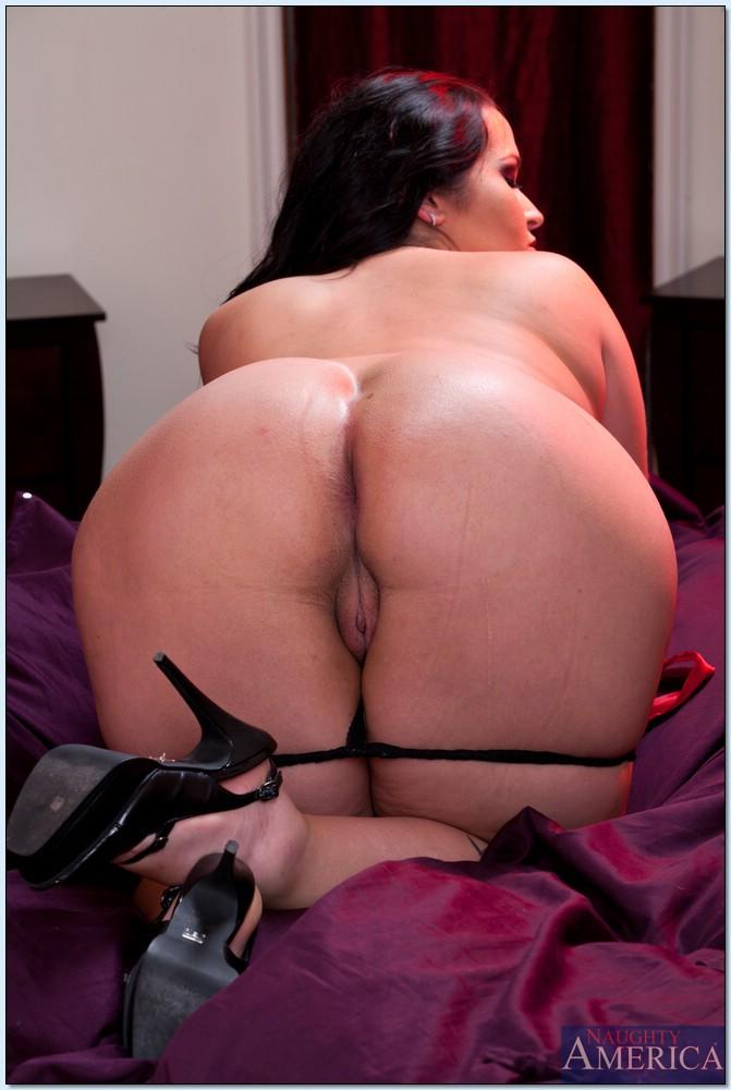 Пузатая шкура на эротических картинках. Фото - 9
