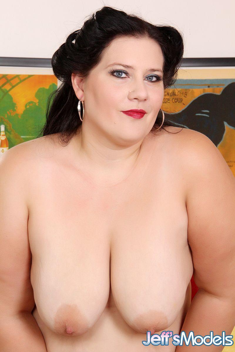 Снимки жирной дамочки в нагом виде