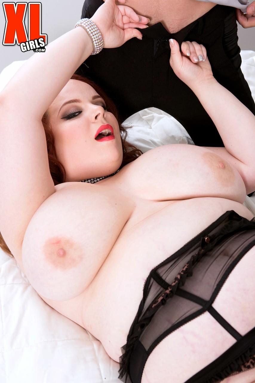 Секс с рыжей толстушкой на фотоснимках