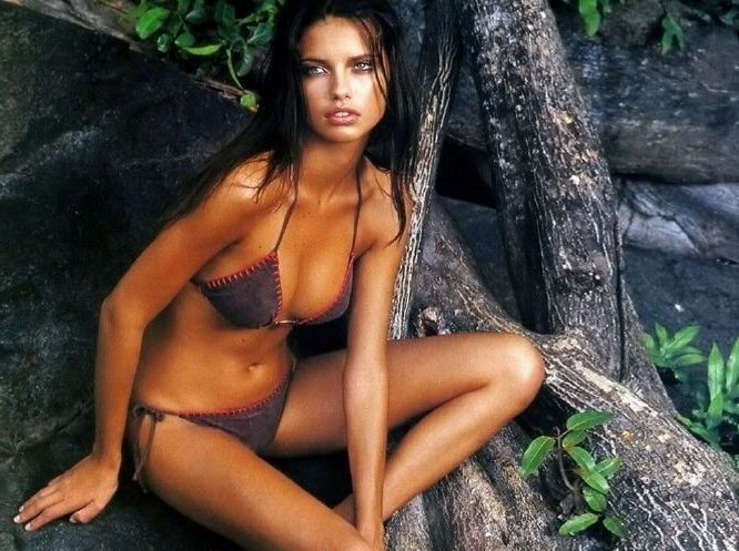 Adriana Lima Nago. Zdjęcie - 26