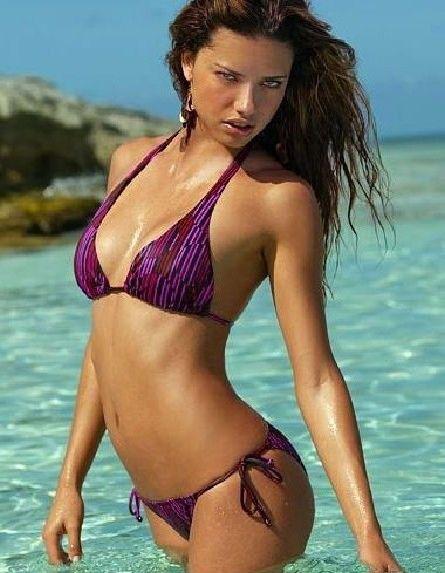 Adriana Lima Nago. Zdjęcie - 34