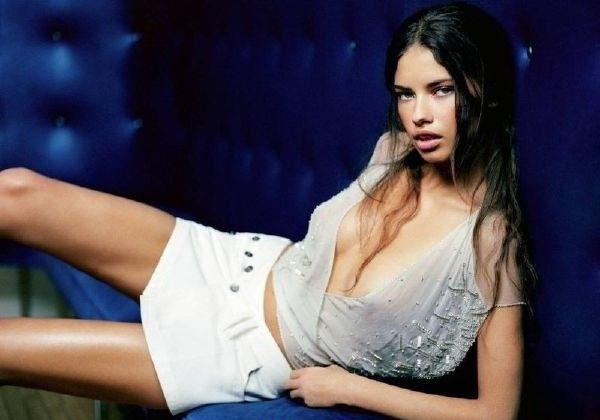 Adriana Lima Nago. Zdjęcie - 38