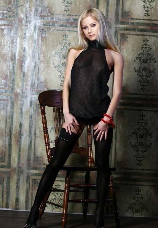 Avril Lavigne Nago. Zdjęcie - 58