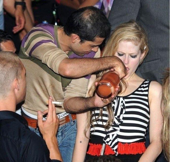 Avril Lavigne Nago. Zdjęcie - 61