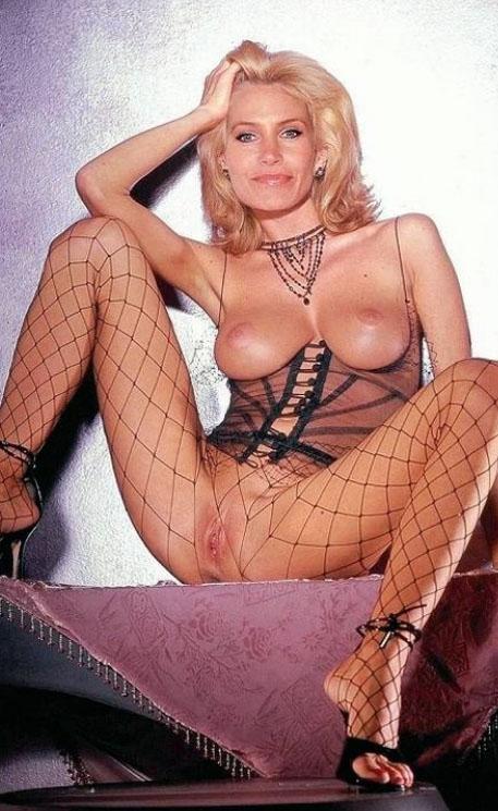 Natasha Henstridge Nude. Photo - 59