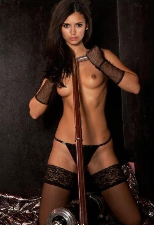 Nina Dobrev Desnuda Fotos de Sexo