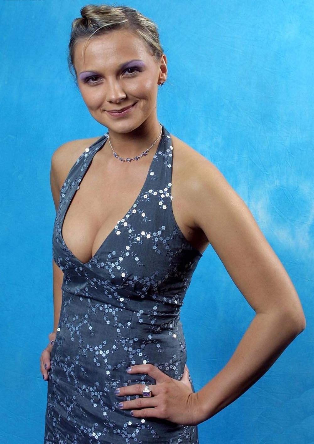 Alida Kurras (Lauenstein) zeigt sich fast nackt