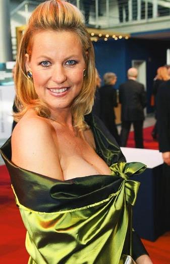 Anja Schüte Nackt. Foto - 1