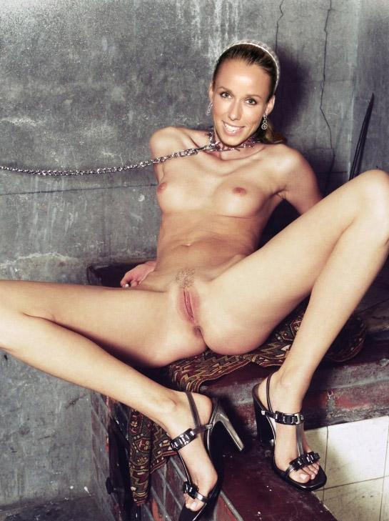 nackt Anne-Marie Anne Marie