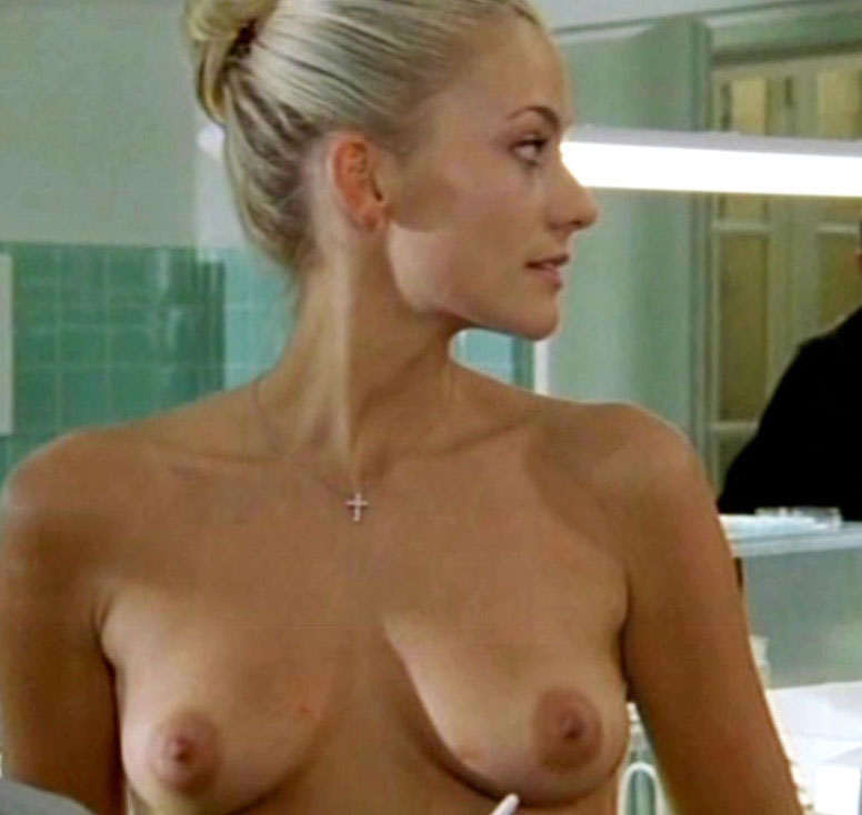 Annika Murjahn  nackt