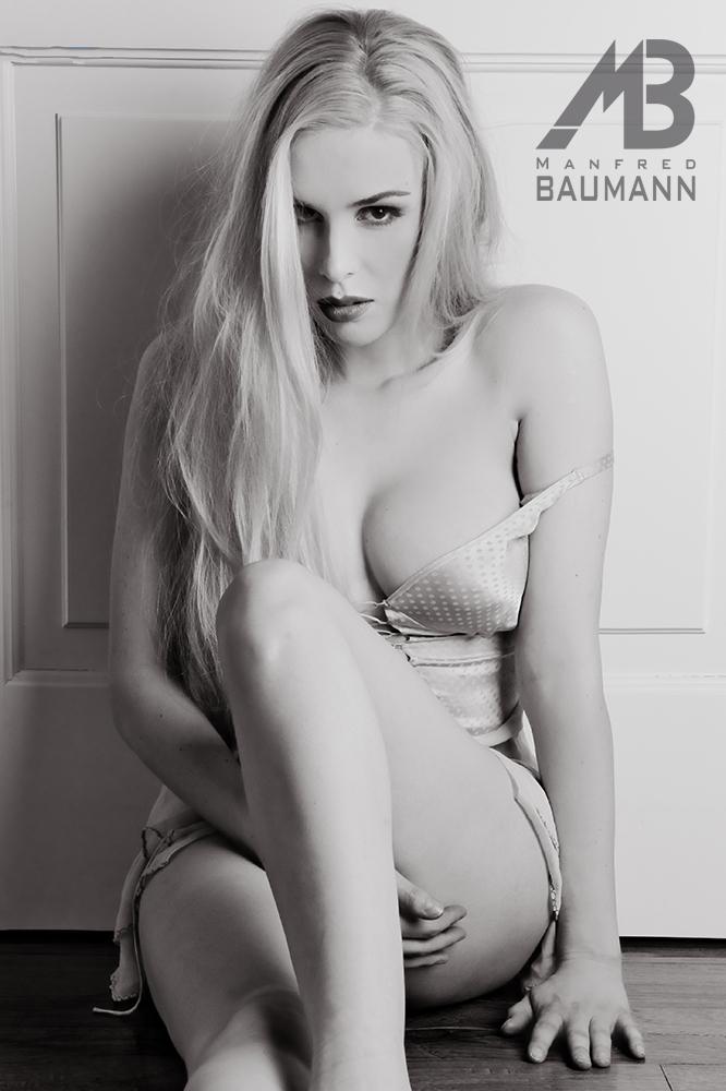 Ariane Sommer Nackt. Foto - 28