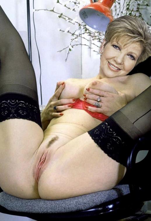 Nackt bilder reiber carolin Promi fake